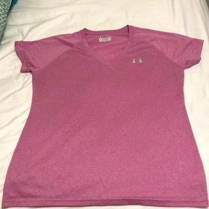 Under armour semi-fitted v neck tee